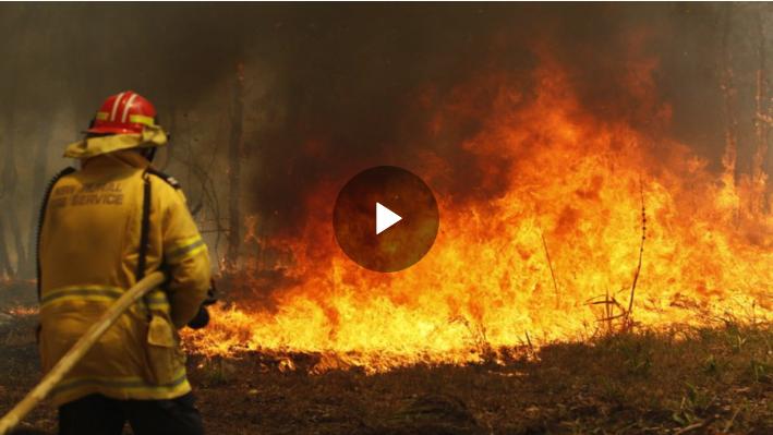 Hundreds of Australia homes destroyed in 'mega fire'